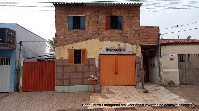 Casa Colônia de casas bairro Laranjeiras Uberlândia-MG
